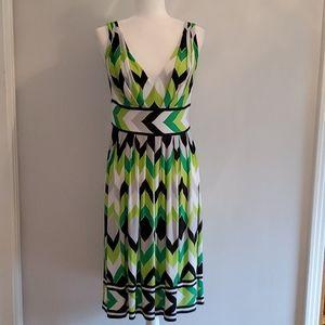 Maggie London Vintage Inspired V Neck  Dress